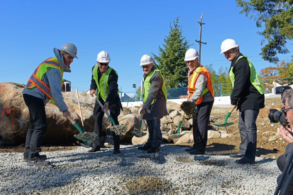 Architects, builders, and the Mayor conduct groundbreaking ceremony for the $100-million North Shore condominium project from Qualex-Landmark. | Qualex